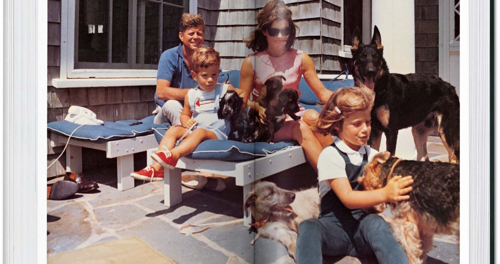 JFK and Family, Cecil Stoughton, 1963. © TASCHEN